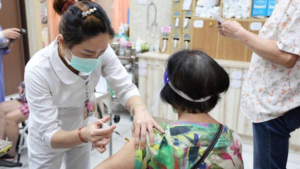 員榮醫療體系預約疫苗今開打 鼓勵長者防疫積極作為