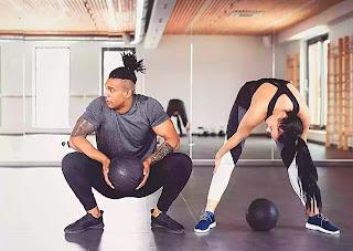 people practicing leg workouts