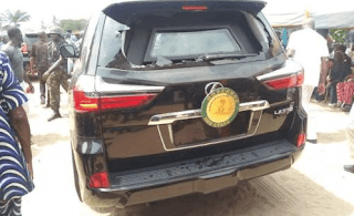 Imo state governor attacked by angry youths, bullet-proof SUV damaged