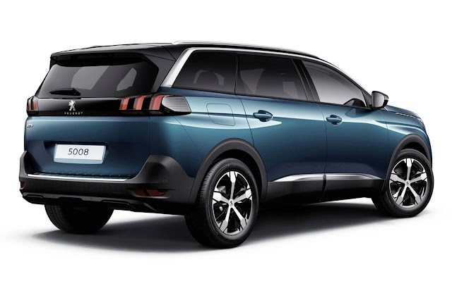 Novo peugeot 5008 fotos oficiais do suv de 7 lugares for Interieur 5008 2017