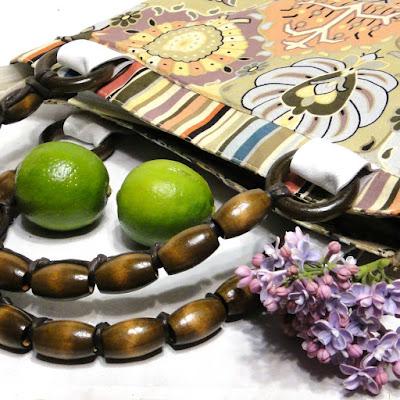 Женская сумка на лето: пастельные оттенки, натуральный хлопок, две ручки из деревянных бусин. Единственный экземпляр. На молнии, два отделения, внутри карманы. Доставка курьером и почтой