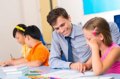 13 Tips Membangun Komunikasi yang Efektif Antara Guru dan Siswa