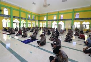 Peringatan Nuzulul Qur'an Di Masjid Al-Halim Polda Kepri
