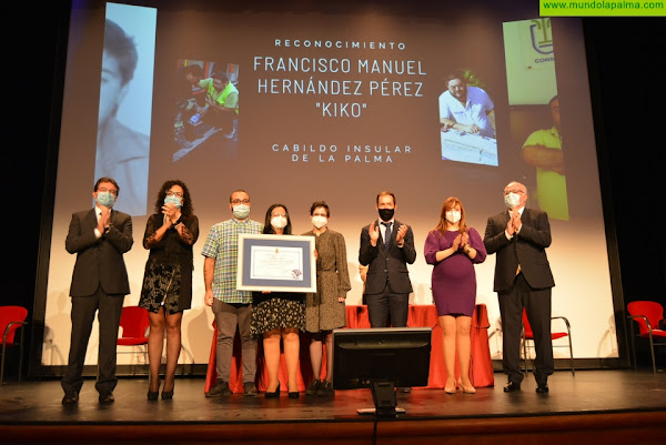 El Cabildo rinde homenaje a la memoria del coordinador del Cecopin