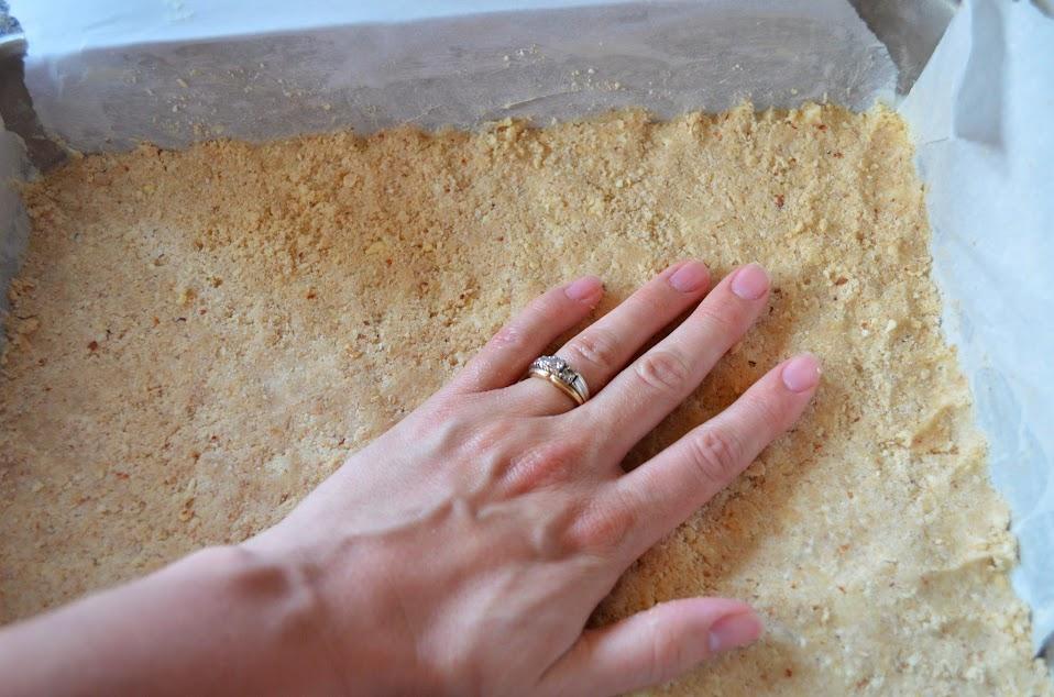 Creamy-Lemon-Bars-Press-Crust.jpg
