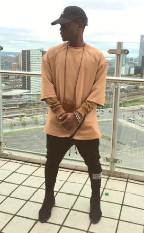 2 Singer Korede Bello looking good in new pics