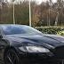 Μυστηριώδης Jaguar έξω από το Μαξίμου – Τι δουλειά είχε ο κοστουμαρισμένος οδηγός στη πίσω πόρτα του Μεγάρου?