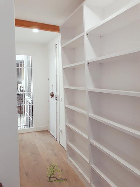 Mueble invertido lacado para vivienda en Madrid