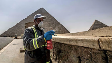 "Sensitizing the Giza plateau ""Reuters"""
