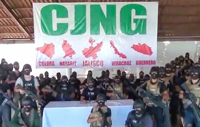 POLICÍAS MATAN A CUATRO SICARIOS DEL CJNG AL SER SORPRENDIDOS CUANDO TIRABAN CADÁVERES DESMEMBRADOS EN VERACRUZ