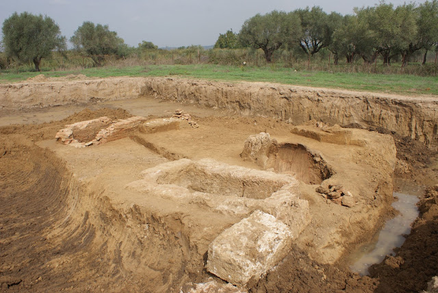 Eight graves from Classical to Hellenistic period unearthed in Peloponnese