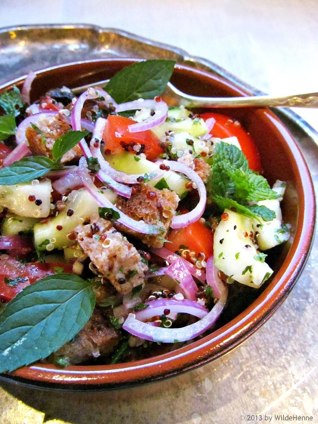 wildes poulet tomaten brot salat mit quinoa zum letzten sommertag. Black Bedroom Furniture Sets. Home Design Ideas