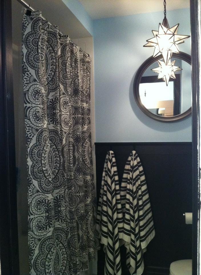 White wood decorating a teen bathroom challenges for Teen bathroom decor