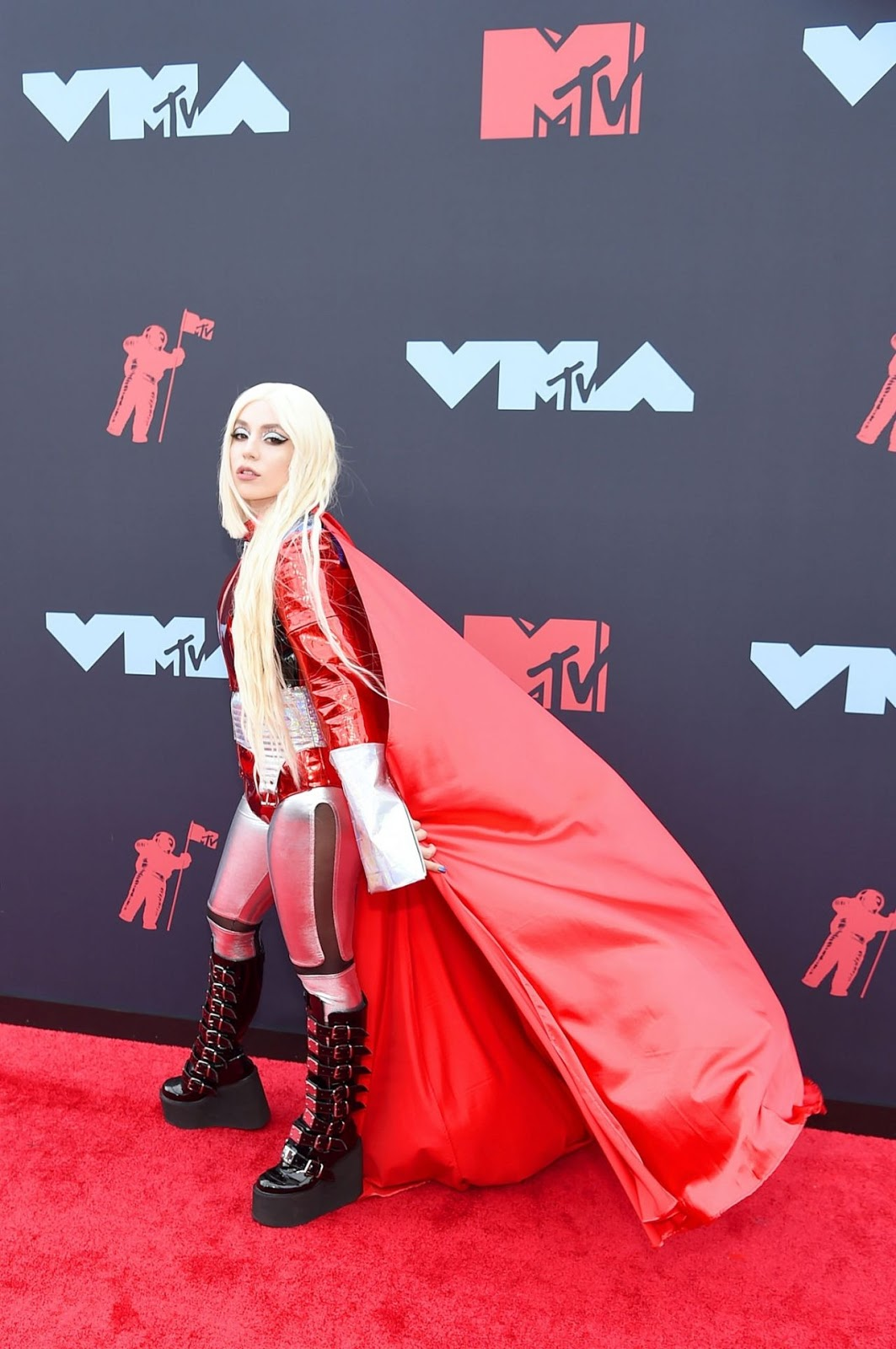 Ava Max – 2019 MTV Video Music Awards in Newark, New Jersey