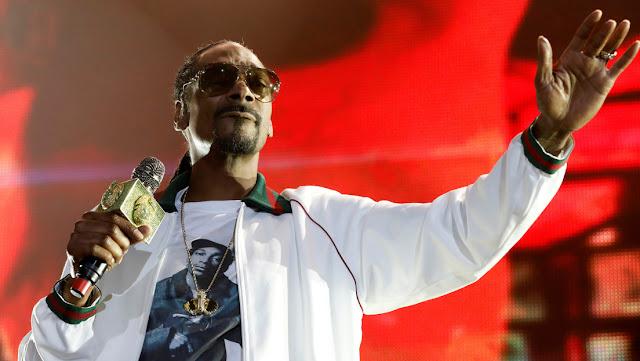 Snoop Dogg se disculpa con una periodista a la que insultó por hablar de las acusaciones de violación contra Koby Bryant