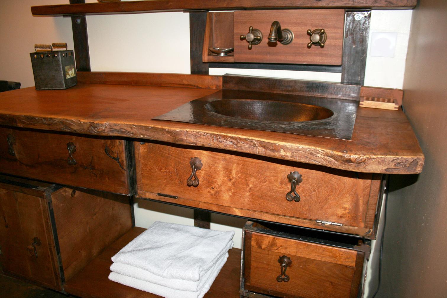 meuble salle de bain bois exotique avec des id es int ressantes pour la. Black Bedroom Furniture Sets. Home Design Ideas