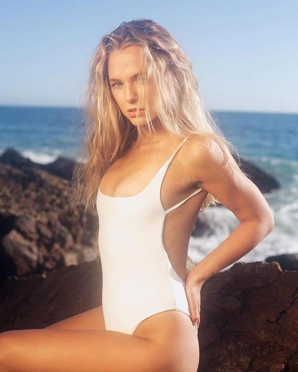 Madison Iseman - wiki bio, films, tv shows and Instagram.