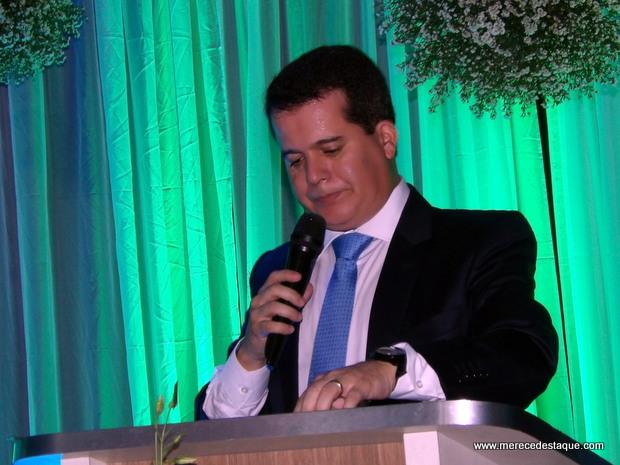 Após pressão de sindicatos e associações, prefeito Edson Vieira retira projeto que visava suspender repasses para a previdência