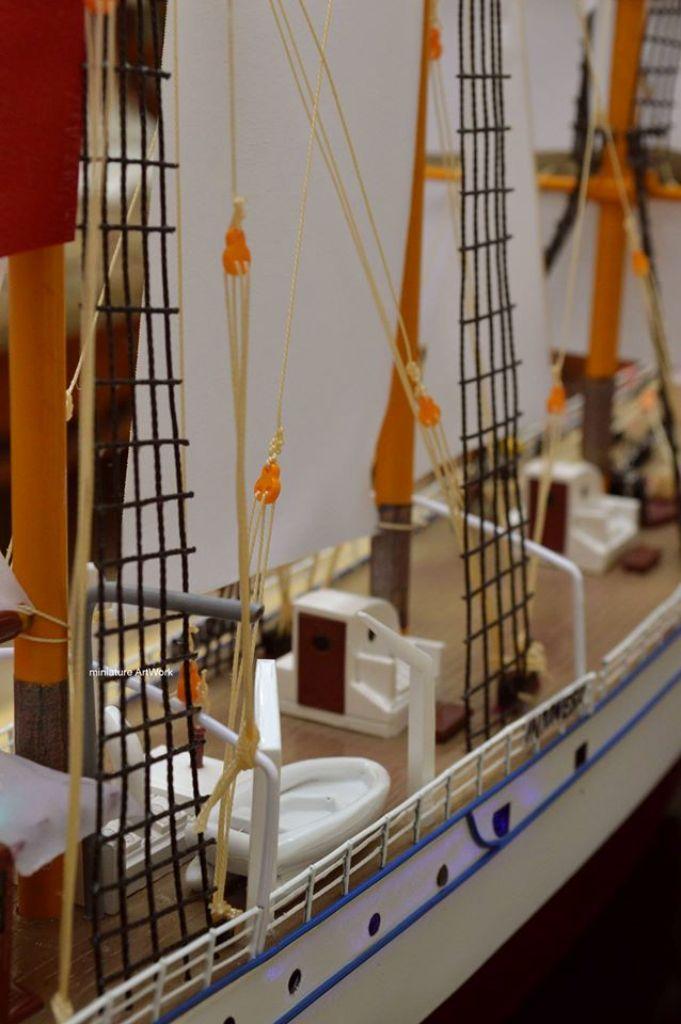 sketsa miniatur kapal layar kri dewaruci terbaik
