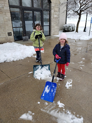 12 Ways to Spread Joy During the Holidays - Move Snow for your Neighbor