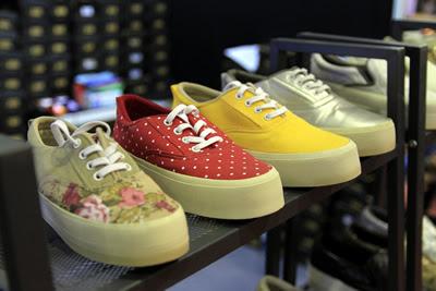 Produk Kerajinan Sepatu di Crafina 2017