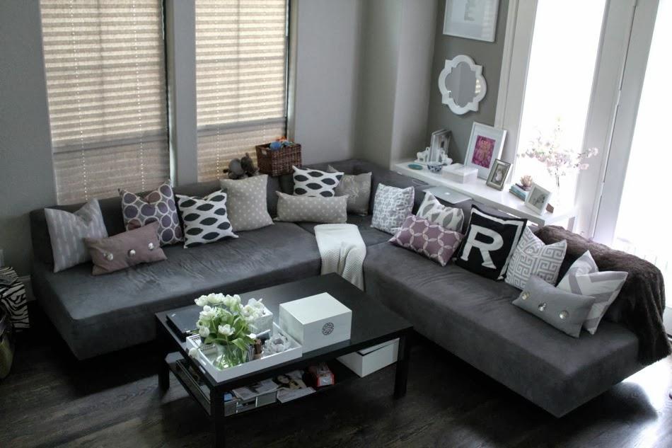 Veronika's Blushing: Living Room Updates