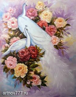 Белые павлины в цветах