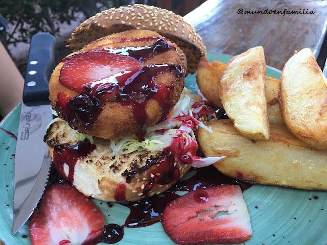Hamburguesa de camembert de Arnolds Restaurant