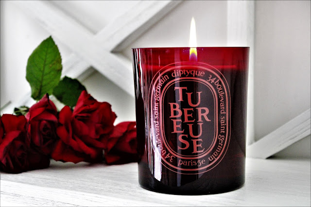 diptyque tubéreuse avis, diptyque tubéreuse bougie 300g, bougie diptyque tubéreuse, diptyque tubéreuse avis, bougie parfumée diptyque tubéreuse, diptyque candles, bougie parfumée, bougie diptyque, diptyque bougies, bougie parfumée naturelle, candles, candle review, scented candle, avis diptyque, bougie en cire végétale, meilleure marque de bougie parfumée, diptyque