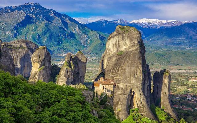 https://1.bp.blogspot.com/-5r4y2bEQm54/Vs3Dx-ItJZI/AAAAAAAFJ2Q/e3H6EzaIprc/s640/Greece%2B50%2B41%2BMeteora.jpg
