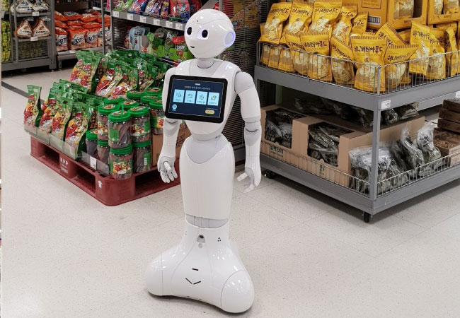 Tinuku E-mart to test Pepper advanced robot concierge service