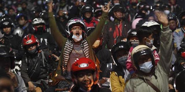 Ribuan Pemudik Jebol Penyekatan Di Subang, Buah Ketidakkonsistenan Pemerintah