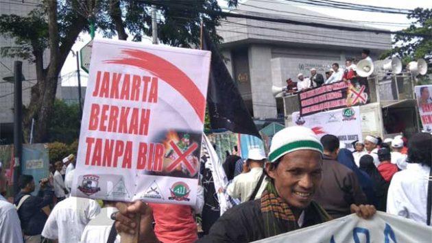 Demo di DPRD, FPI Serukan Larangan Pilih Partai Pro Saham Bir
