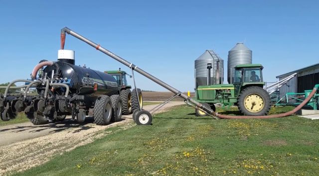 sidedress swine manure tanker minnesota corn