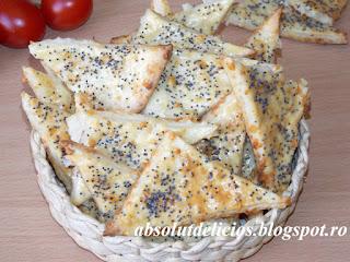 http://absolutdelicios.blogspot.ro/2016/06/biscuiti-sarati-cu-cascaval.html