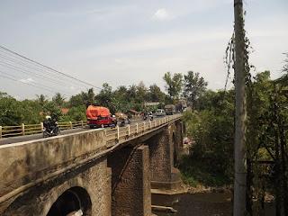 jembatan angker berhantu kali banjaran beji purwokerto