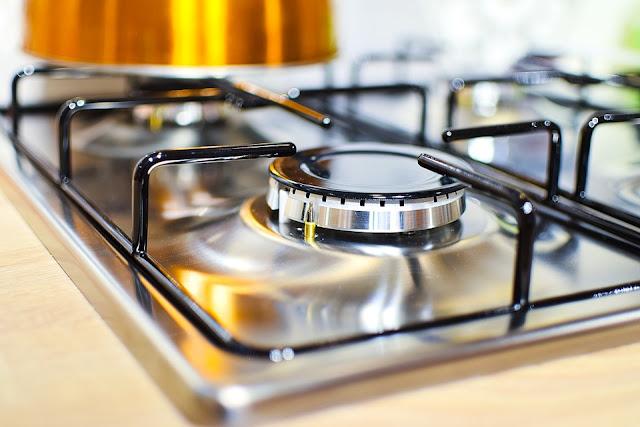 piano cottura-acciaio inox-fornelli-cucina