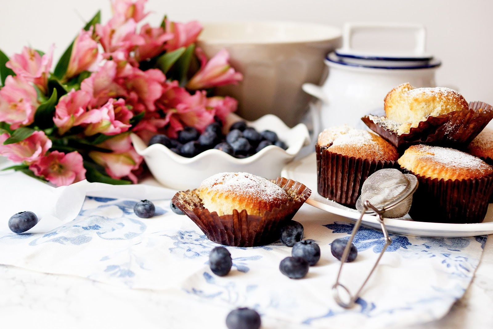 barely-there-beauty-blog-blueberry-cake-recipe-lifestyle-photography