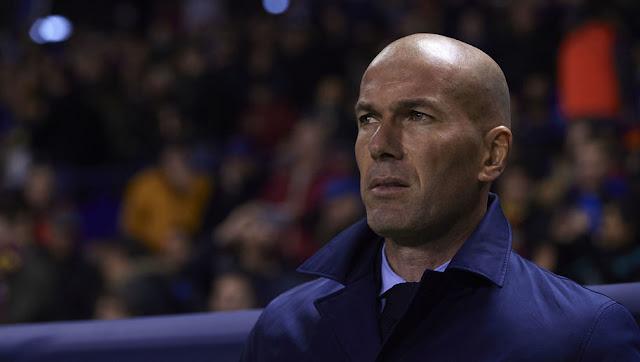 Le vestiaire serait divisé en deux clans à cause de Zidane