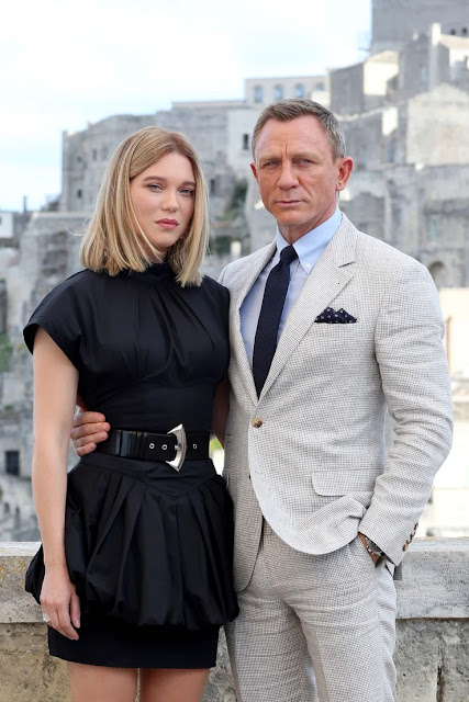 Foto Terbaru dari Set Bond 25: No Time To Die