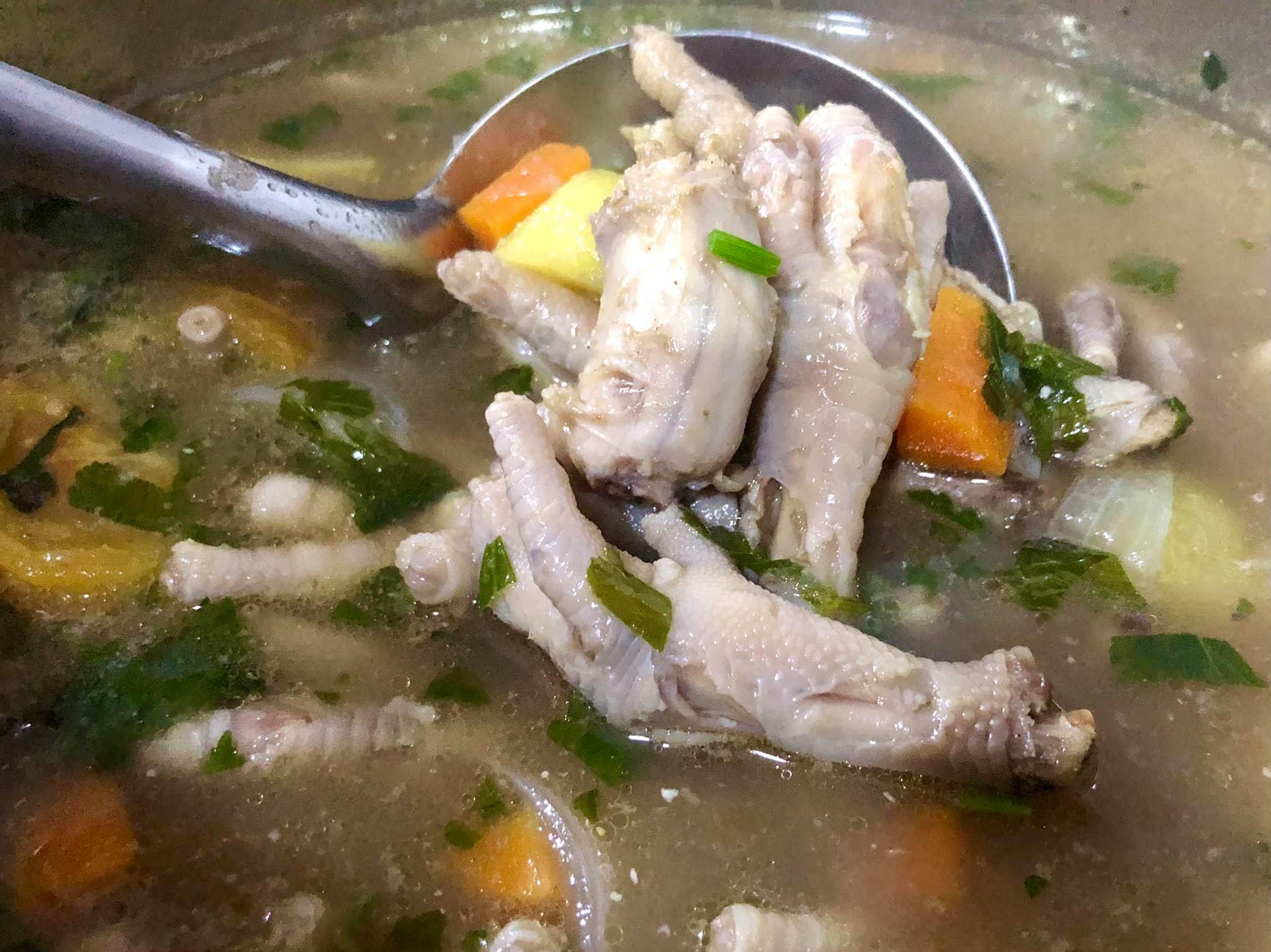 Pagi-Pagi Lagi Anak Dah Masak Sup Kaki Ayam