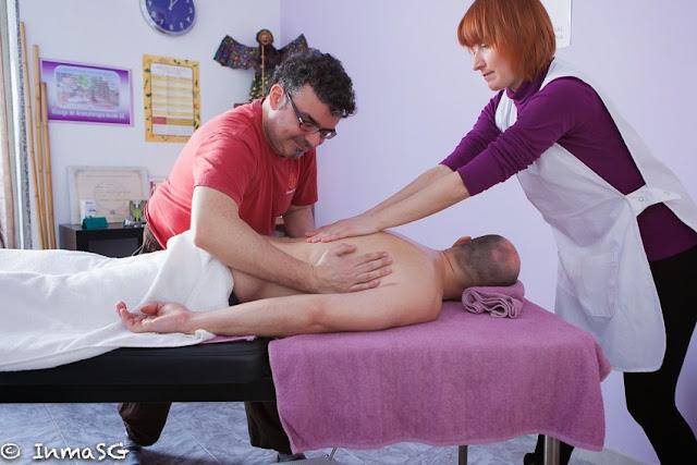 El masaje a cuatro manos y a cuatro pies una novedad relajante