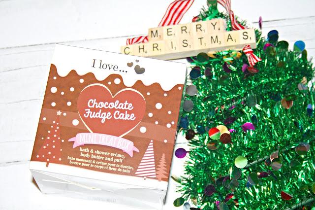 I Love... Chocolate Fudge Cake Mini Treat Box
