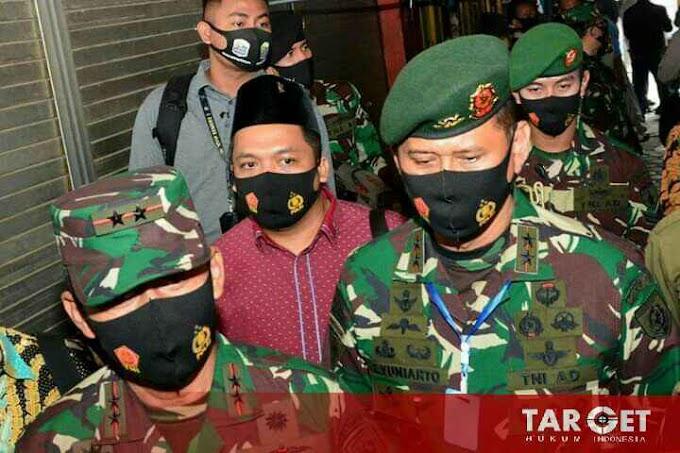 Pandivif 2 Kostrad Dampingi Panglima TNI dan Kapolri Tinjau Pasar Singosari Malang