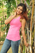 Aarthi glamorous photo gallery-thumbnail-15