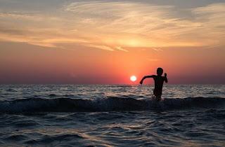 बोधकथा - बुद्धी - Good Thoughts In Marathi - Marathi Moral Story - vb-good-thoughts-vijay-bhagat-marathi-story-beach-evening-sun-rise