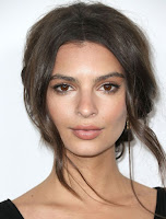 emily ratajkowski sexy red carpet dress