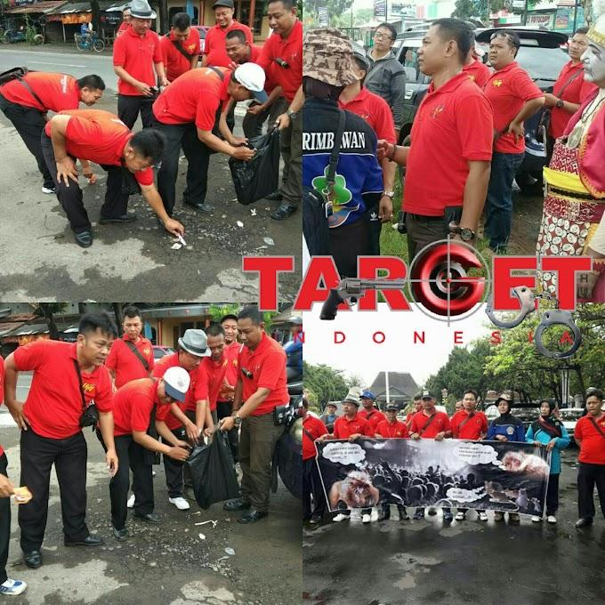 Salah Satu Pimpinan Dan Komisaris Media Online Dukung Gerakan Sebelas Maret Dalam Aksi Pungut Sampah di Jalan Pati - Tayu