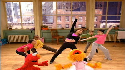 Elmo and Zoe are now ready to dance together. Zoe, Elmo, the kids and Paula Abdul dance together. Sesame Street Zoe's Dance Moves