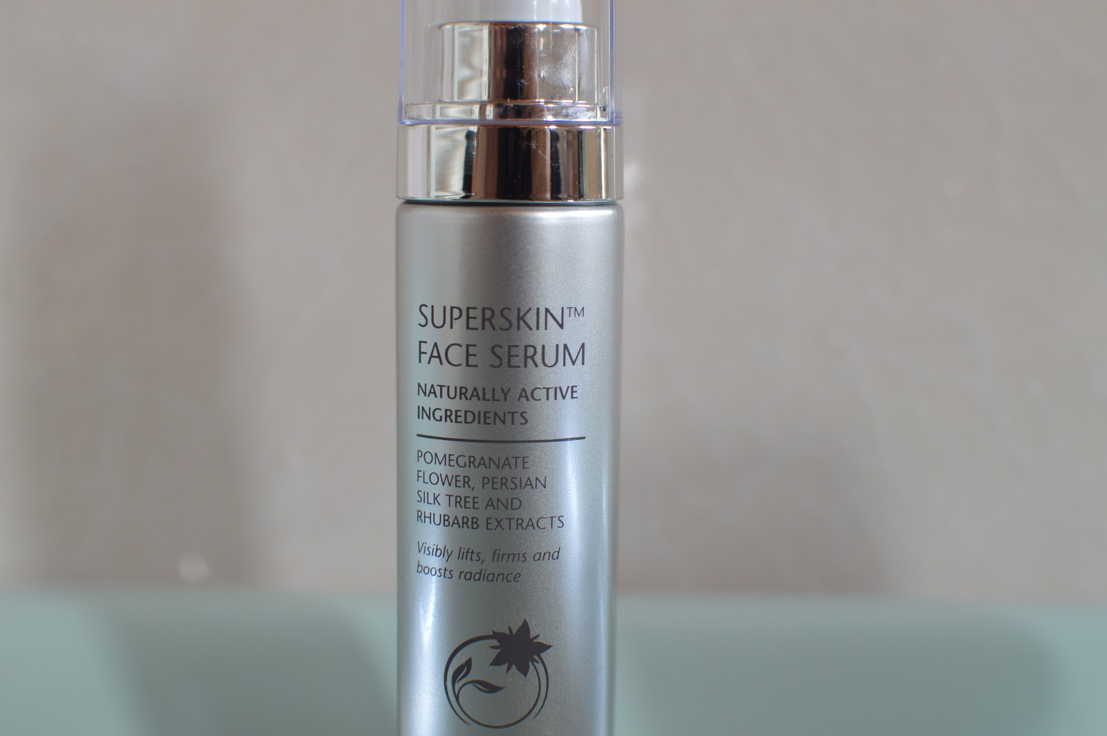 , Liz Earle Superskin Face Serum Review
